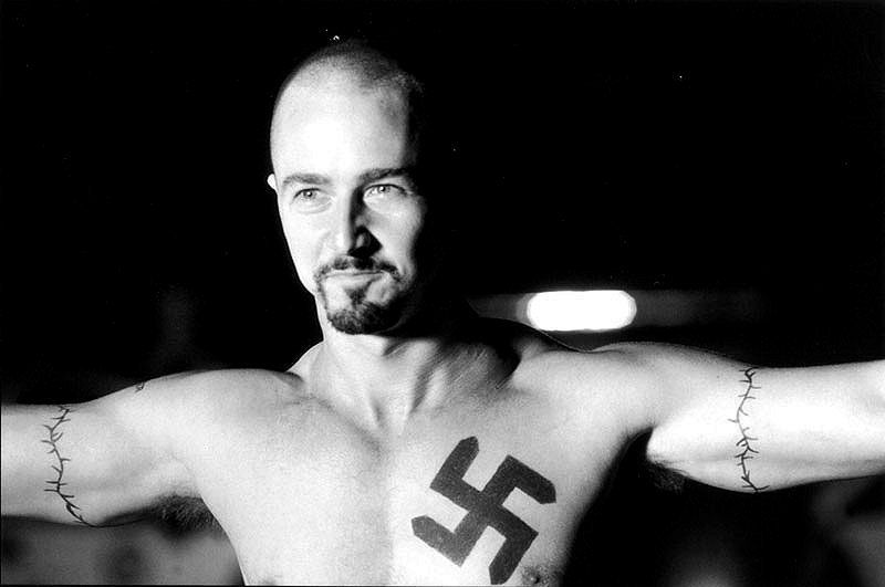 nazistinha_gay.jpg?1377769517