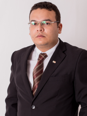 Dr Carlos Quiaxaba
