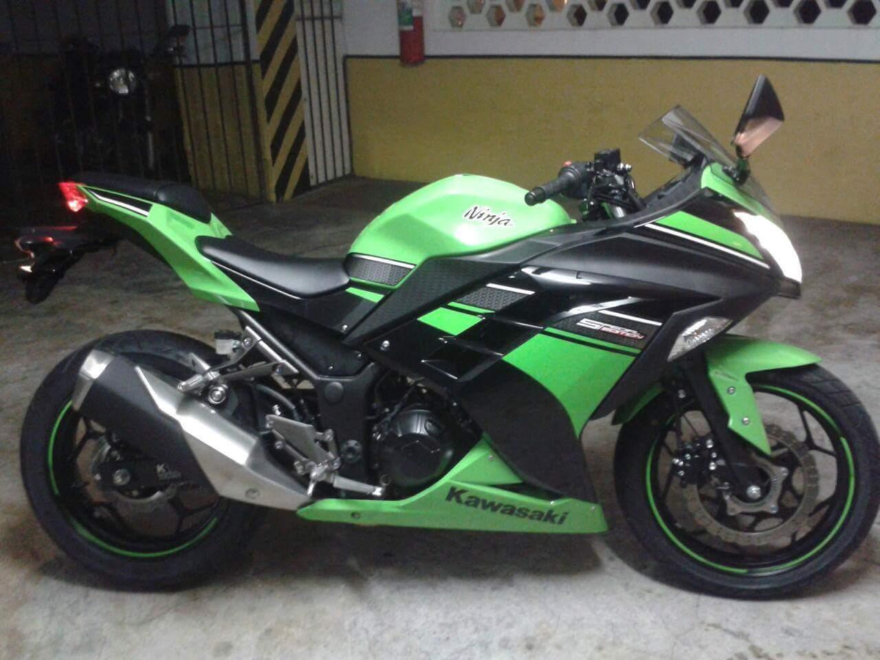 moto kawasaki e muito roubada